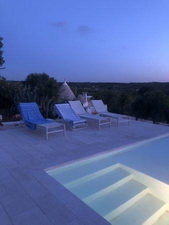 Trulli Le Icone Relais piscina tramonto - 1